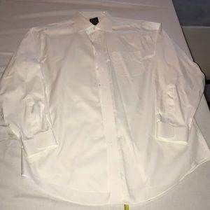 Jos A Bank Men's white dress shirt